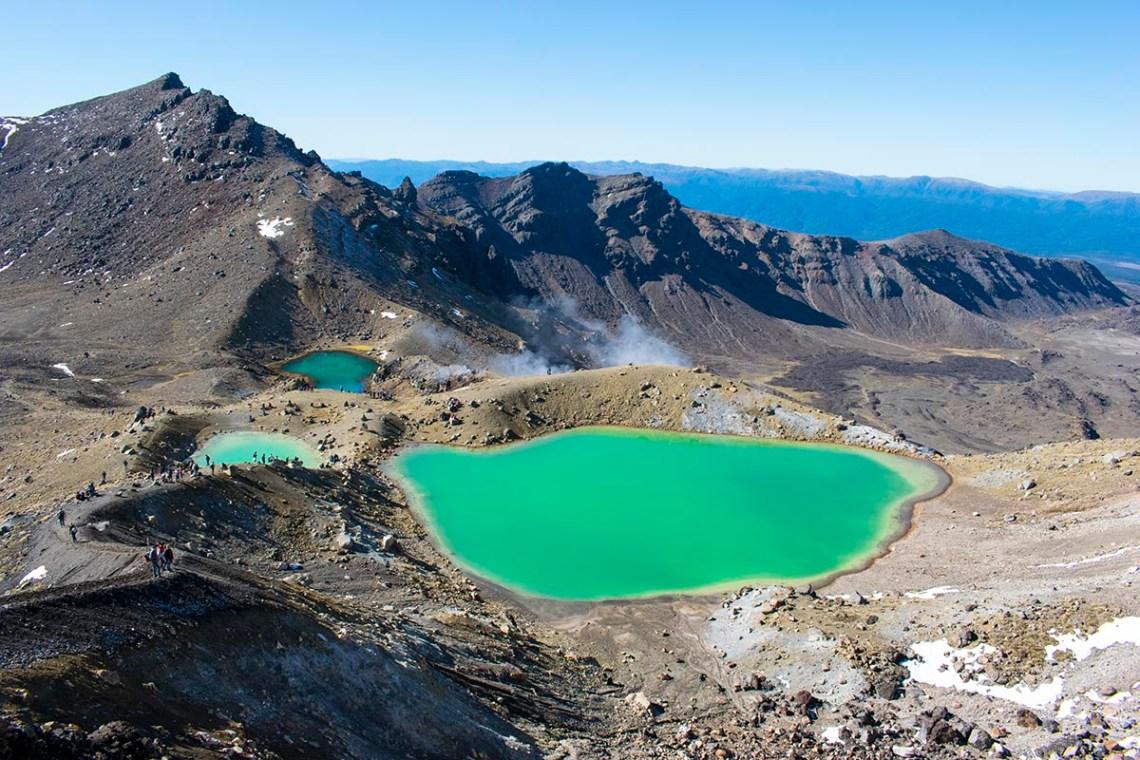 zielone jeziorka w parku narodowym Tongariro