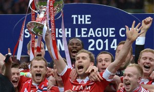 Aberdeen celebrate winning the Scottish League Cup after beating Inverness CT 4-2 on penalties