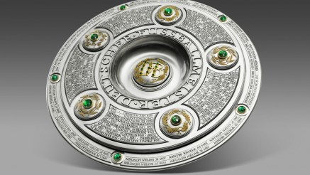 Bundesliga-Trophy-Wallpaper-1920x1080