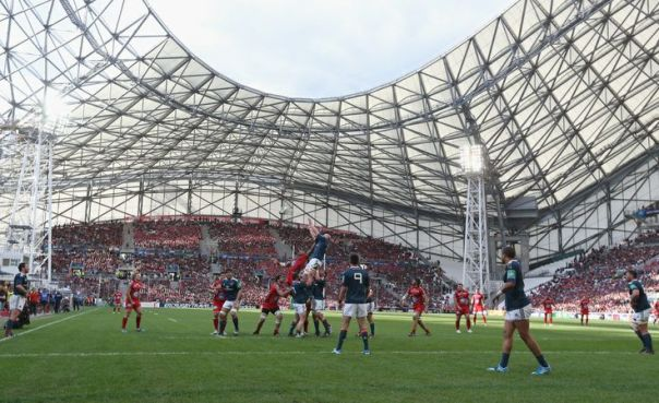 MARSEILLE, FRANCE - APRIL 27: Paul O'Connell of Munster wins the lineout ball during the Heineken Cup semi final match between Toulon and Munster at the Stade Velodrome on April 27, 2014 in Marseille, France.  (Photo by David Rogers/Getty Images)