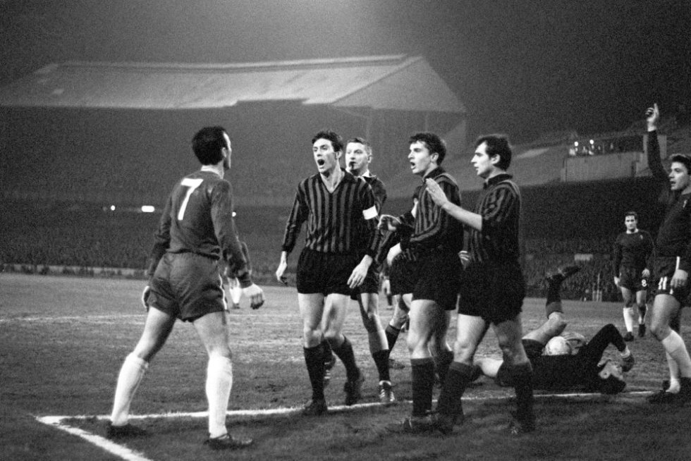 Soccer - Inter-Cities Fairs Cup - Third Round Second Leg - Chelsea v AC Milan