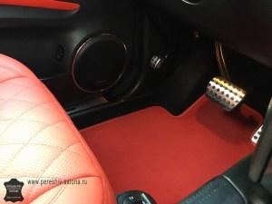 Красный салона Mercedes