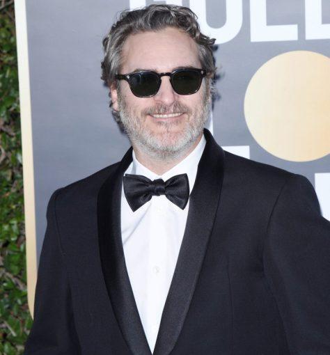 Joaquin Phoenix Golden Globes red carpet sunglasses