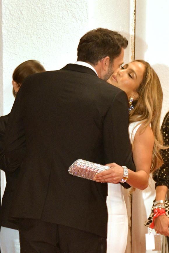Ben Affleck Jennifer Lopez Venice 6