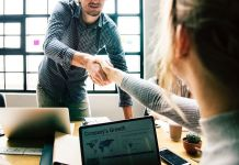 how to be a good leader at work