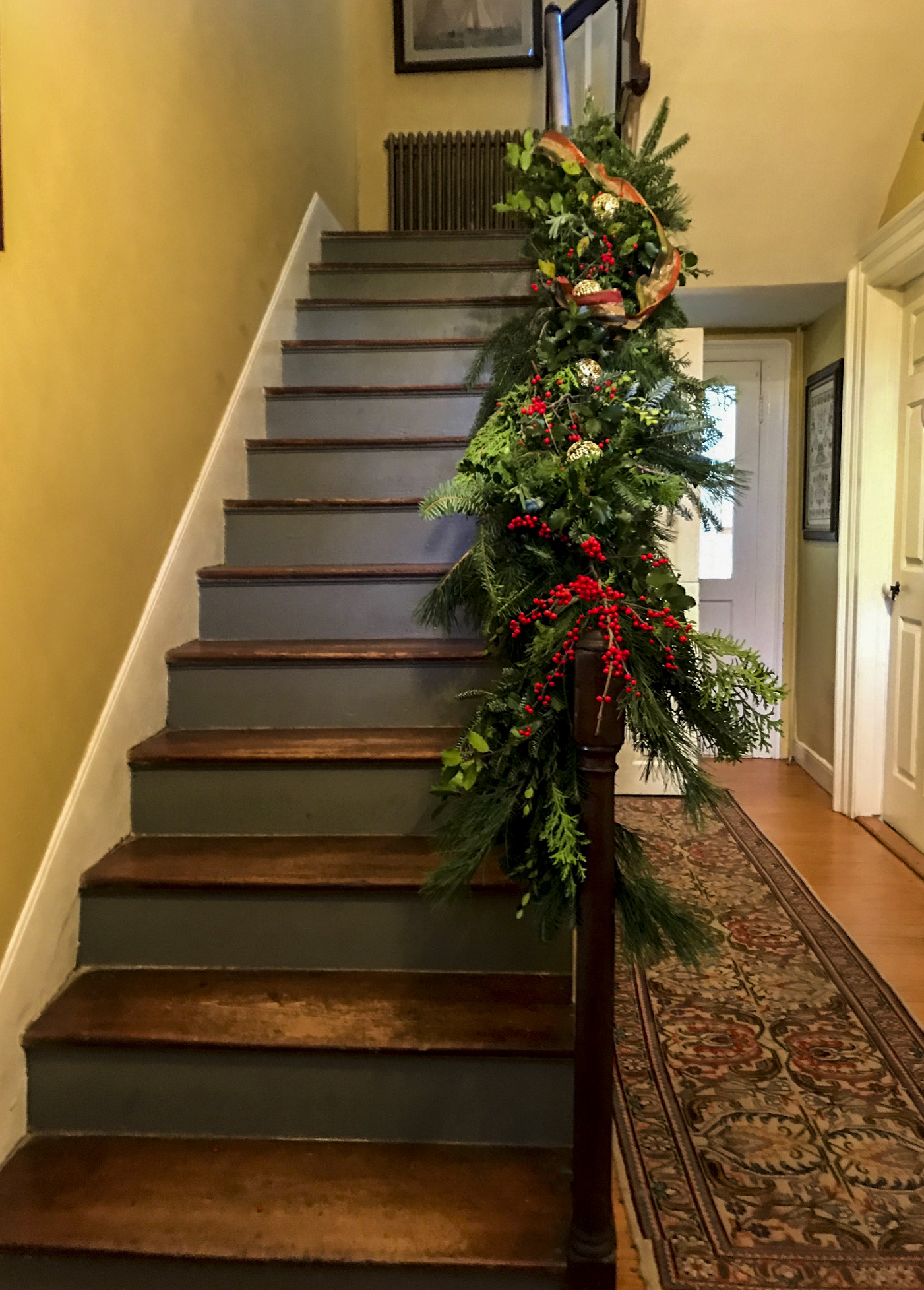 Christmas Garland Staircase Perfect Christmas Tree Farm