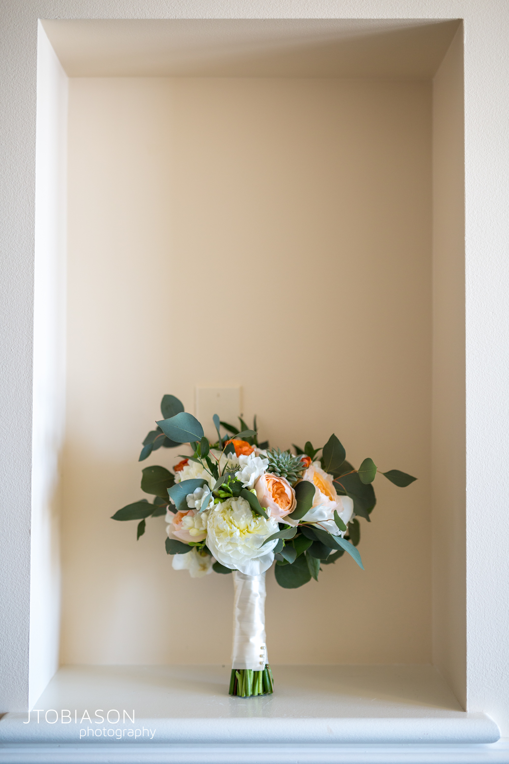 Seattle Tennis Club wedding in Seattle | White and orange bridal bouquet | Outdoor Seattle ceremony with Mount Rainier in background | Perfectly Posh Events, Seattle Wedding Planner | JTobiason Photography | Sublime Stems