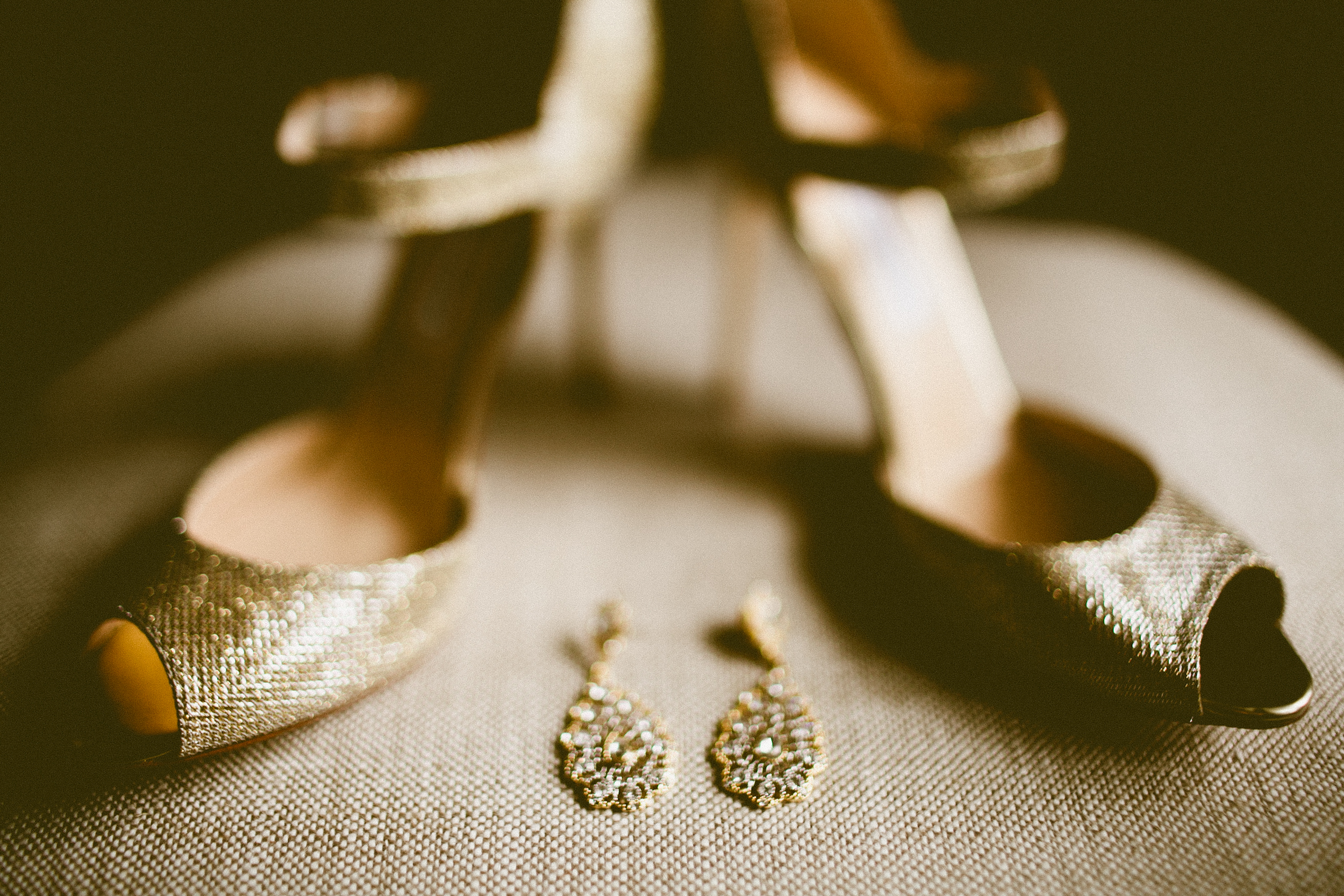 DeLille Cellars wedding in Woodinville | Jimmy Choo wedding shoes with matching earrings |Perfectly Posh Events | Seattle Wedding Planner | Andria Lindquist Photography