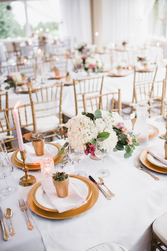 Glen Acres Golf Club wedding in Seattle   Romantic wedding tables cape with gold, blush, and white   Perfectly Posh Events, Seattle Wedding Planner   Barrie Anne Photography   Butter & Bloom