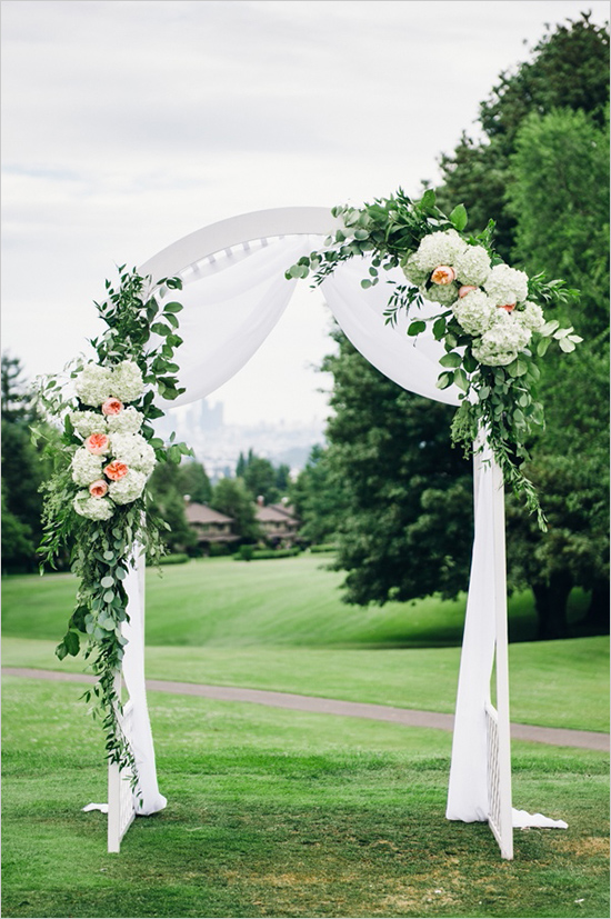 Glen Acres Golf Club wedding in Seattle | Floral and greenery decorated wedding arch | Perfectly Posh Events, Seattle Wedding Planner | Barrie Anne Photography | Butter & Bloom