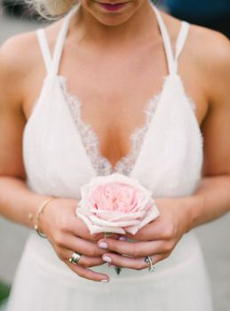 Seattle Wedding Planner | Pink rose | Seattle Wedding Coordinator | Blue Rose Photography