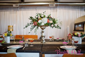 Seattle Wedding Show, I Do Sodo | Mid-Century Palm Springs Floral Centerpiece | Perfectly Posh Events | Barbie Hull Photography | Butter & Bloom