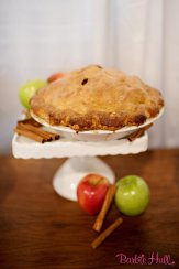 Seattle Wedding Show, I Do Sodo | Classic apple pie for vintage cocktail party | Perfectly Posh Events | Barbie Hull Photography | A la Mode Pies
