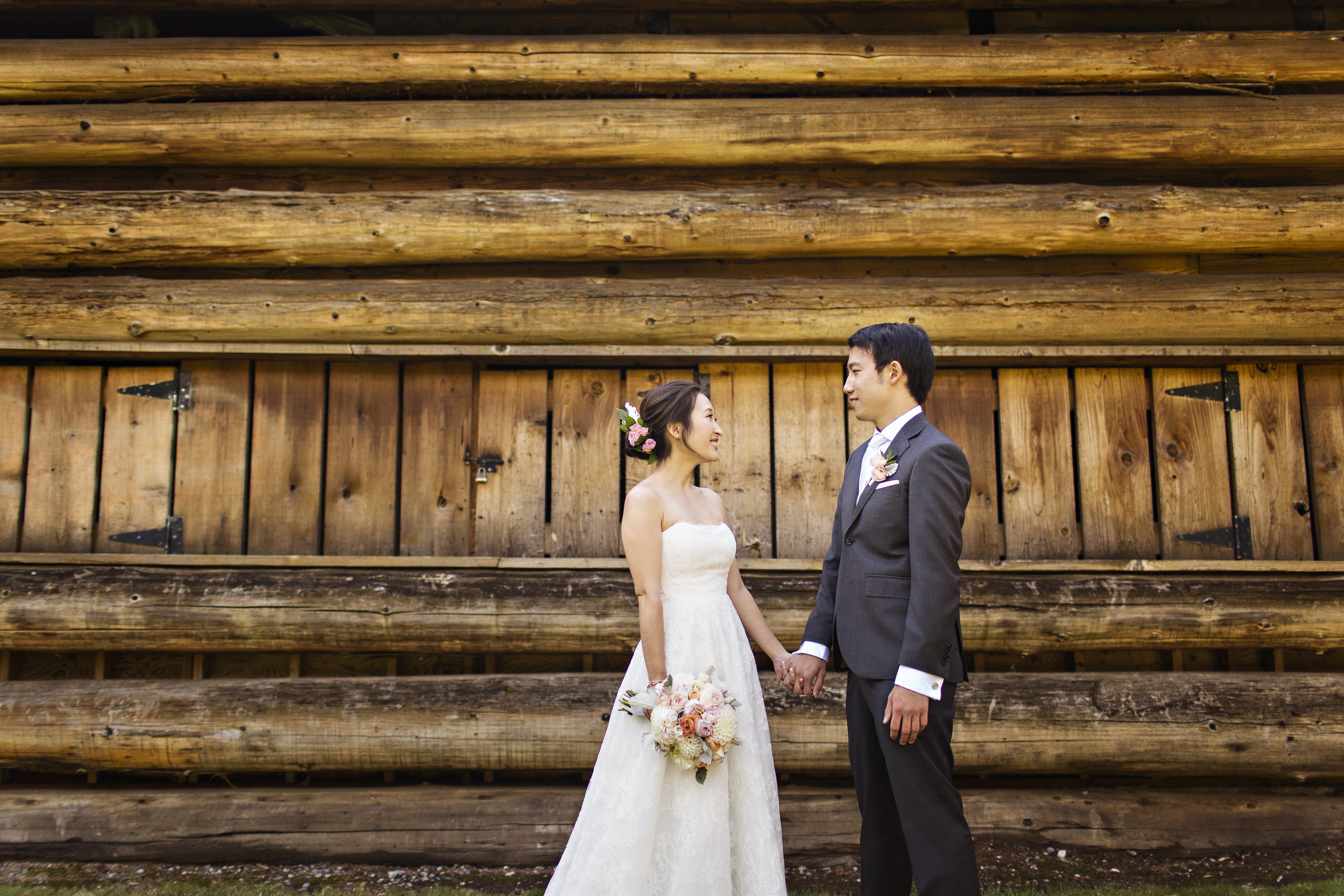 Robinswood House Wedding in Bellevue | Outdoor wedding log cabin background | Perfectly Posh Events, Seattle Wedding Planner | Courtney Bowlden Photography