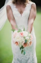 Glen Acres Golf Club | Seattle | Seattle Wedding Planner | Perfectly Posh Events | Barrie Anne Photography | Butter and Bloom | Pink and white bridal bouquet with David Austin Garden Roses