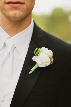 DeLille Cellars wedding in Woodinville | White rose Groom boutonniere | Perfectly Posh Events | Lucid Captures Photography | Bella Signature Design