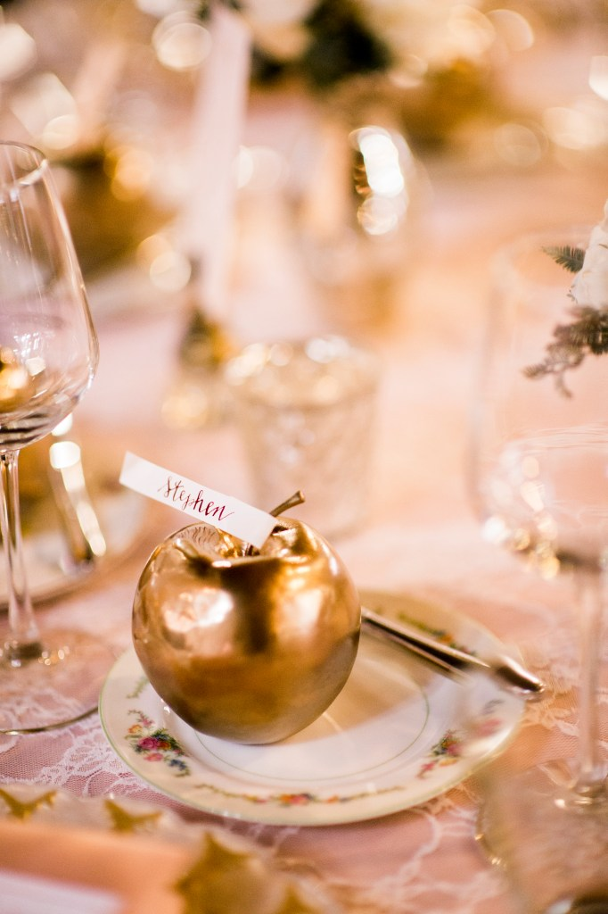 Gold apple place cards | Sodo Park Wedding in Seattle | Wedding Planning and Design by Seattle Wedding Planner Perfectly Posh Events | Kimberly Kay Photography | Floressence