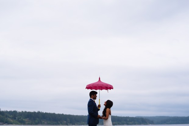 Kiana Lodge Wedding on Bainbridge Island, WA | Creative photo alternatives for a rainy PNW wedding with colorful umbrellas | Perfectly Posh Events, Seattle Wedding Planning | Shane Macomber Photography | Umbrellas provided by Bella Umbrella