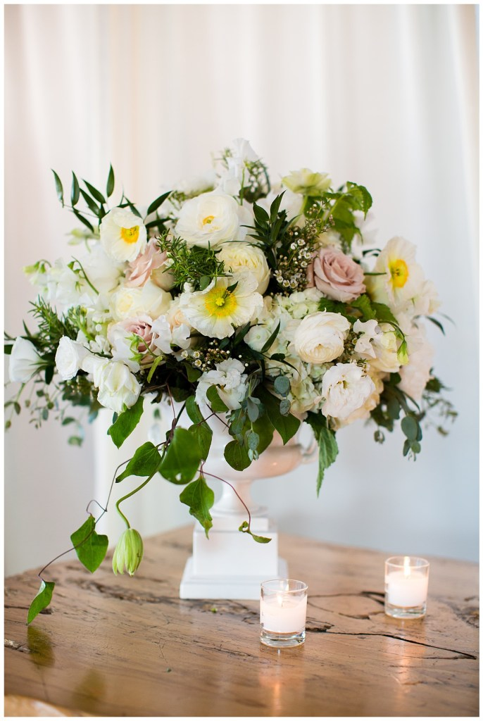 Hetal + Jake's florals featured a color palette of romantic blush, cream and white.