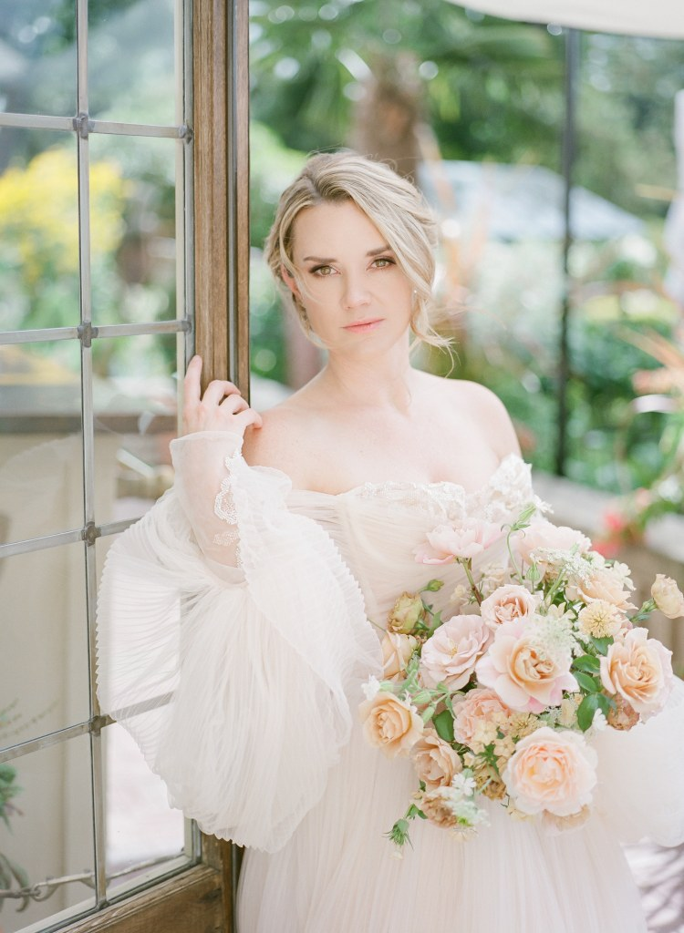 When to Buy a Wedding Dress in a Pandemic. Click to read more tips on shopping for a wedding dress amidst COVID-19. Wedding planning by Perfectly Posh Events, based in Seattle. Wedding Dress sourced from Nyanza Bridal in Kirkland, WA. Photo Credit by Tetiana Photography. #perfectlyposhevents