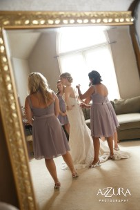 Laurel Creek Manor Wedding in Seattle   Bride getting ready pictures with bridesmaids   Perfectly Posh Events, Seattle Wedding Planner   Azzura Photography
