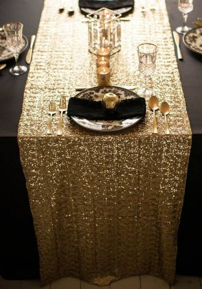 Seattle Wedding Planner | Perfectly Posh Events | Gold runner with black tablecloths |