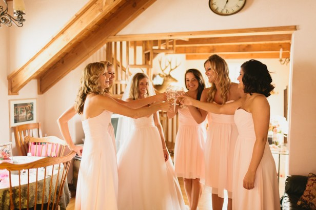 DeLille Cellars wedding in Woodinville | Bridal party getting ready photos | Perfectly Posh Events | Lucid Captures Photography