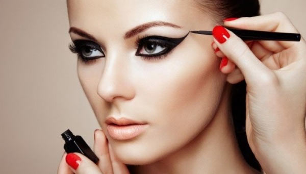 Maquiagem profissional passo a passo