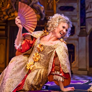Review: NELL GWYNN at Chicago Shakespeare Theater