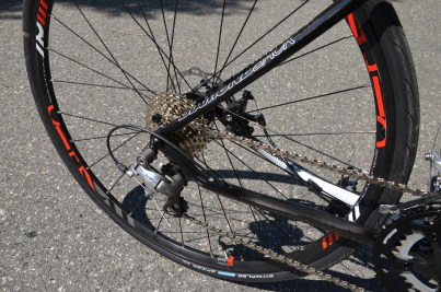 10-speed Shimano drivetrain gives you plenty of gearing