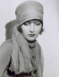 Perfumes for a Dame - greta garbo