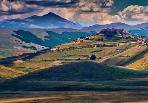 Umbra Ramon Monegal Eric Huybrechts Castelluccio di Norcia Umbria, Italy Flickr