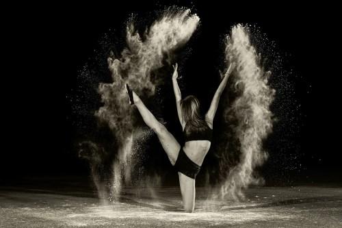 Cuir de l'Aigle Russe Oriza L. Legrand poder power girl pixabay