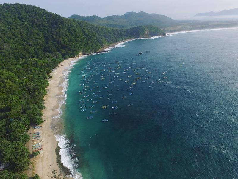 Pantai Papuma dari udara via @abinaalkhalifizahran