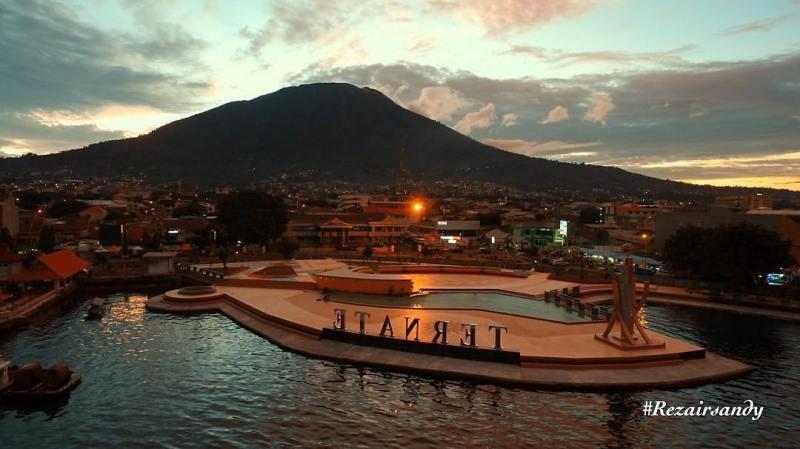 Ternate adalah salah satu kota di Indonesia yang asik untuk liburan via @reza_irsandy
