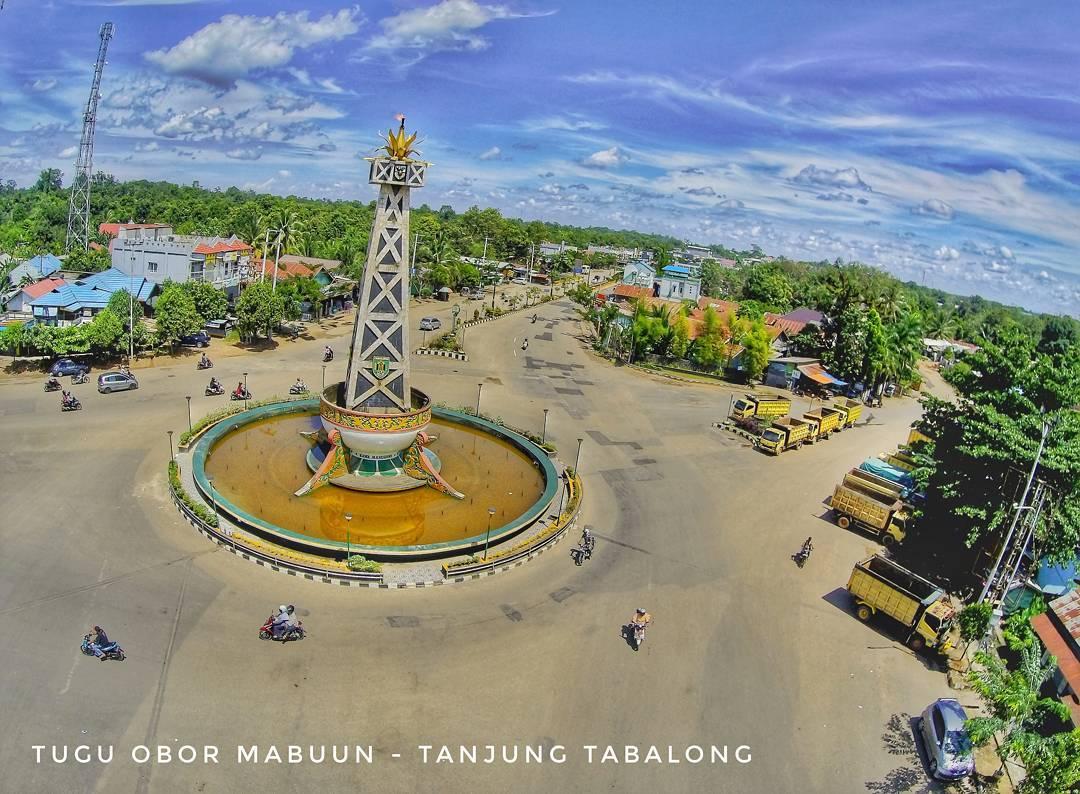 Tugu Obor Mabuun salah satu landmark Tabalong via @joecreecord
