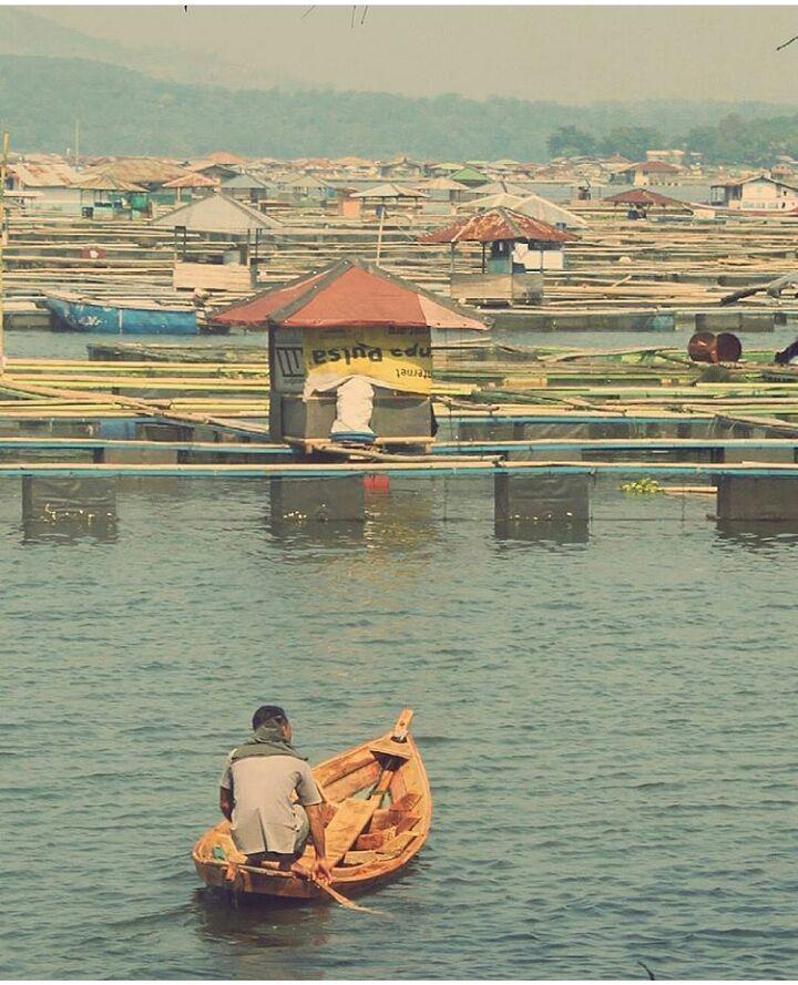 Waduk Jangari, Mande, Cianjur via @manbdmn
