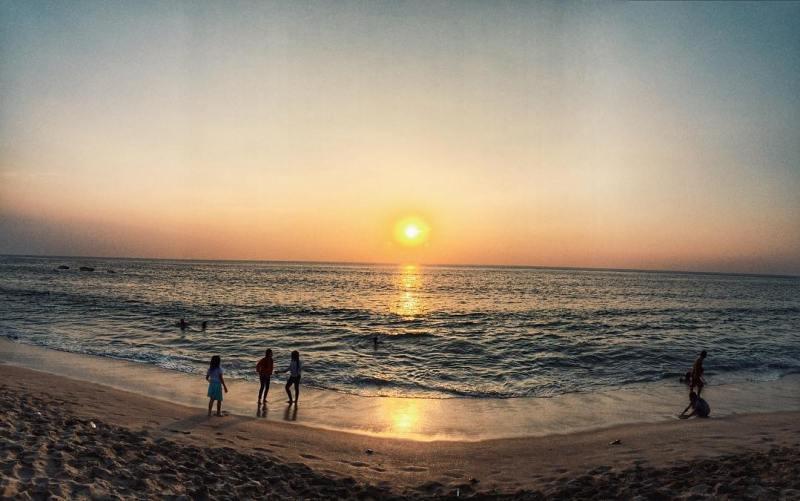 Anyer adalah kawasan wisata pantai favorit masyarakat ibukota via @amandarizkyb