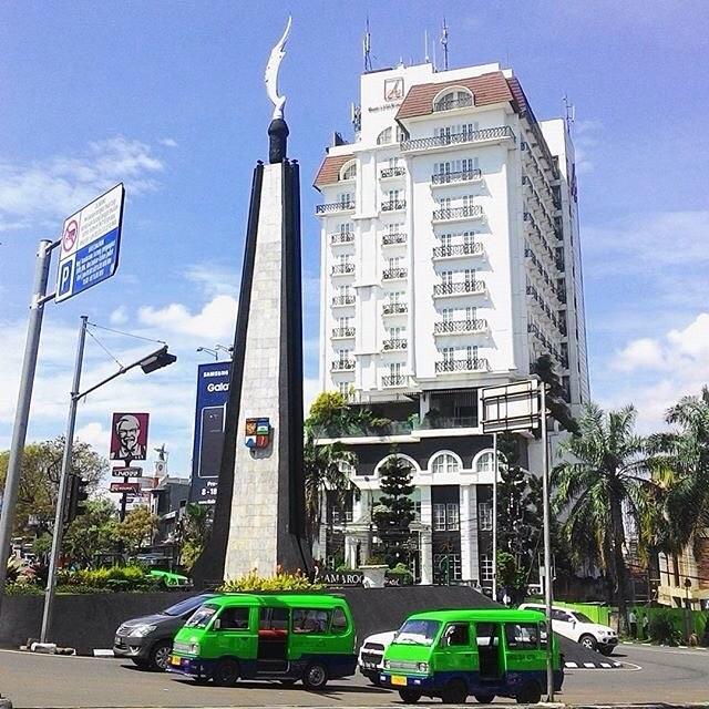 Bogor ini identik dengan kota yang penuh angkot via @vansapr