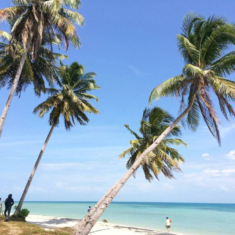 Pulau Ketawai, Kabupaten Bangka Tengah, Bangka Island, Indonesia via @elizabeth_tjoeliman