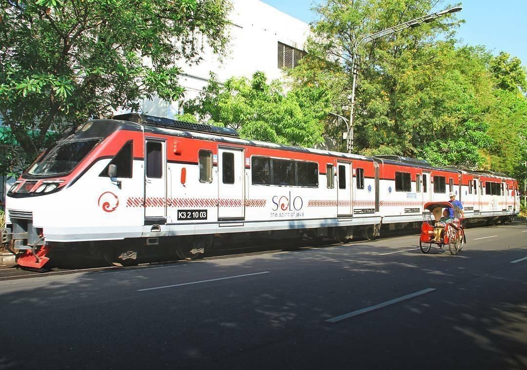 Moda transportasi yang bisa dikendarai di Kota Solo via @yudhasyp