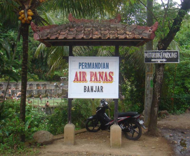 Air Panas Banjar, salah satu tempat wisata terkenal di Banjar, Bali@thoegoezt