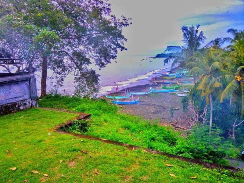 Suasana Pantai Candikusuma salah satu tempat wisata di Melaya, Jembrana, Bali via @anggabudiantara