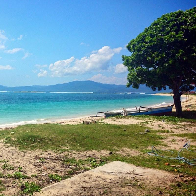 Pantai Lakey adalah salah satu tempat wisata di Bima yang terkenal! via @ekopuja
