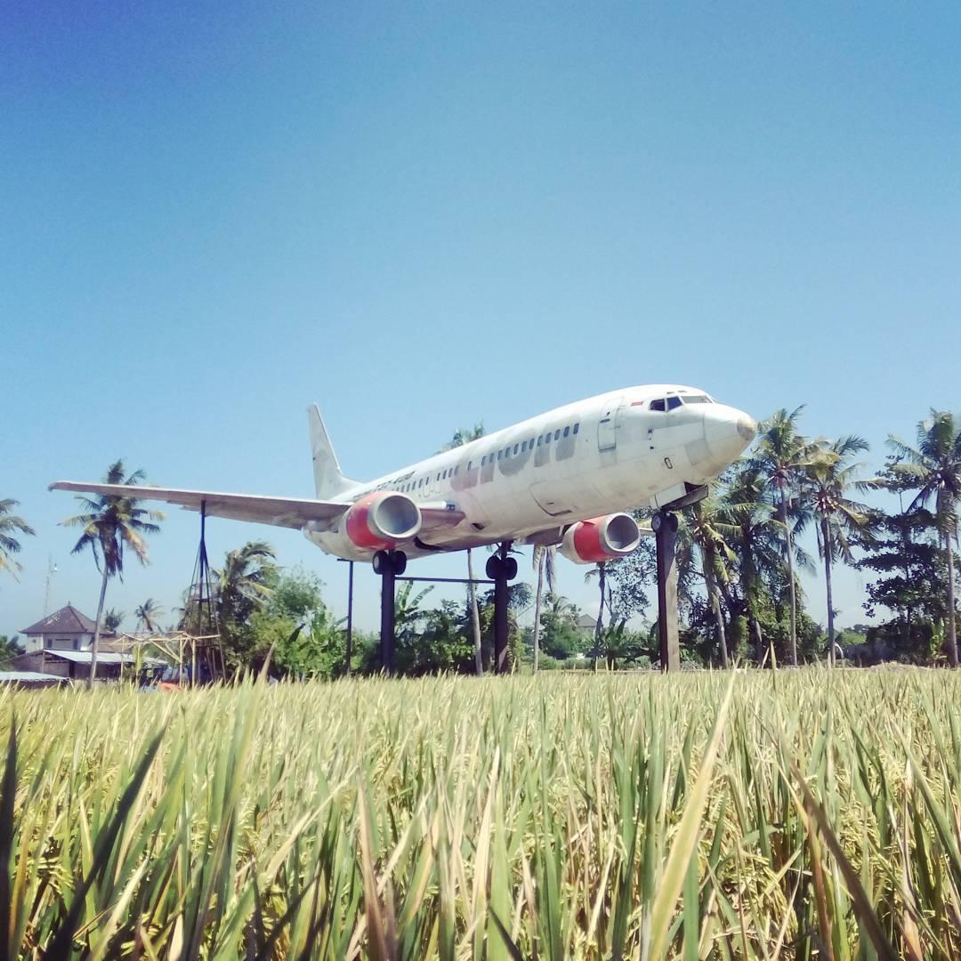 Dibawah adalah beberapa hotel di Keramas Bali yang bisa anda gunakan untuk menginap. via @pedroruegg___