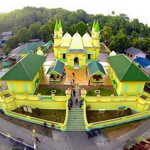 Masjid Sultan Riau Pulau Penyengat Tanjungpinang! via @salman_al_jugjawy