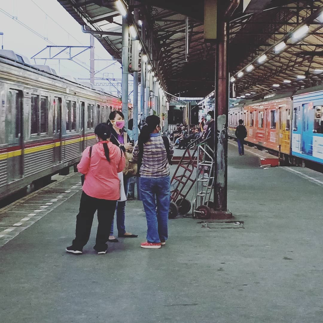 Stasiun Jatinegara! via @agnaihsan123