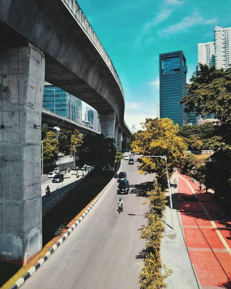 by @rezaafauzii taken around Jalan Casablanca, South Jakarta