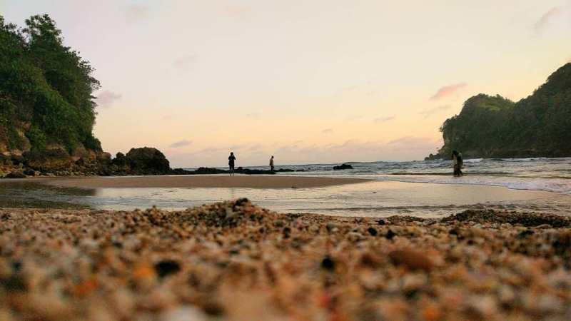 Daftar Tempat Wisata Pantai Di Blitar Jawa Timur Lengkap Pantai Pangi Blitar