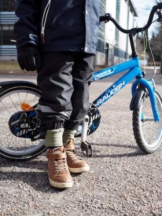 Sekä pyörä että housut olivat kutistuneet
